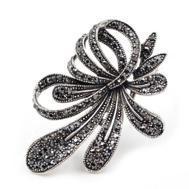 CINDY XIANG Rhinestone Black Flower Brooches for Women Vintage Antique Silver Brooch Pin Elegant Exquisite Broches New Year Gift